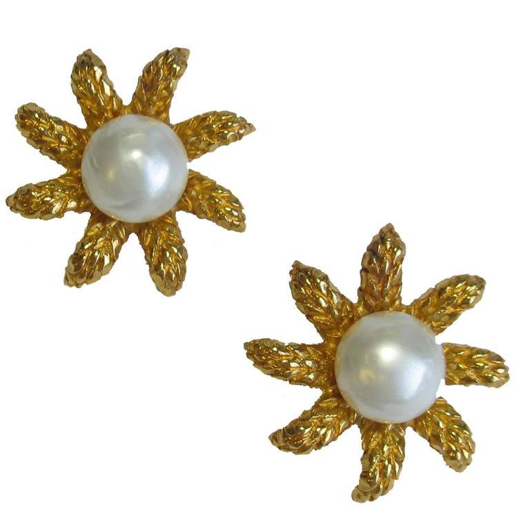 CHANEL Clip-On Earrings Ear of Wheat in Gilt Metal and Glass Pearl For Sale