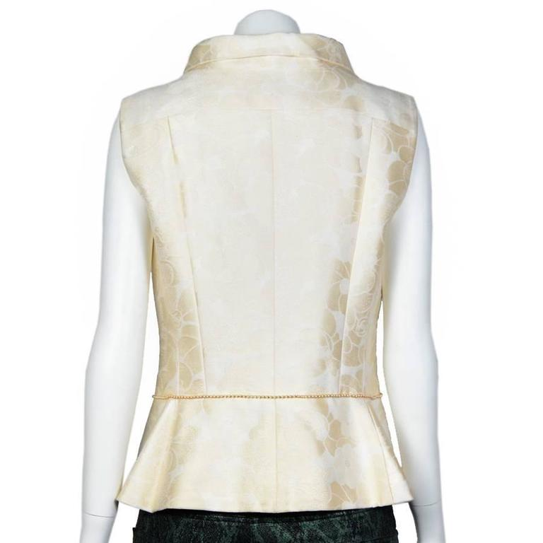 Chanel Spring 2001 Cotton Sleeveless Jacket with a Beaded Pearl Belt 42FR In Excellent Condition For Sale In Paris, FR