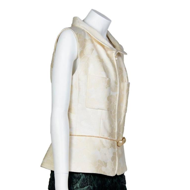 Chanel Spring 2001 Cotton Sleeveless Jacket with a Beaded Pearl Belt 42FR 3