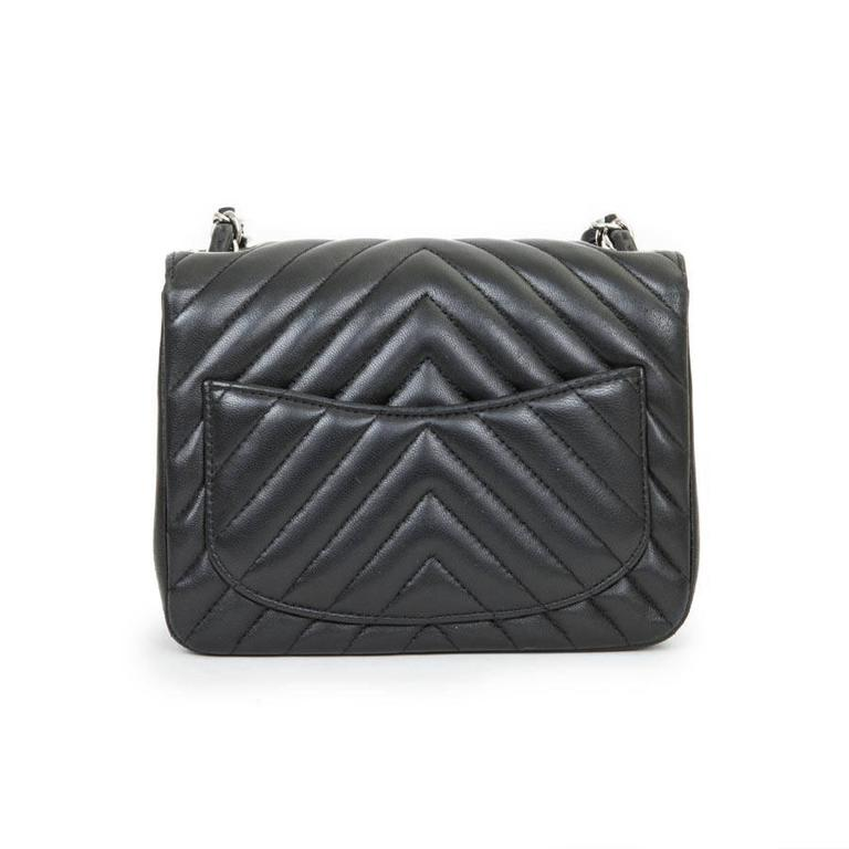 Mini Chanel Quilted Black Lamb Leather Shoulder Bag In Good Condition For Sale In Paris, FR