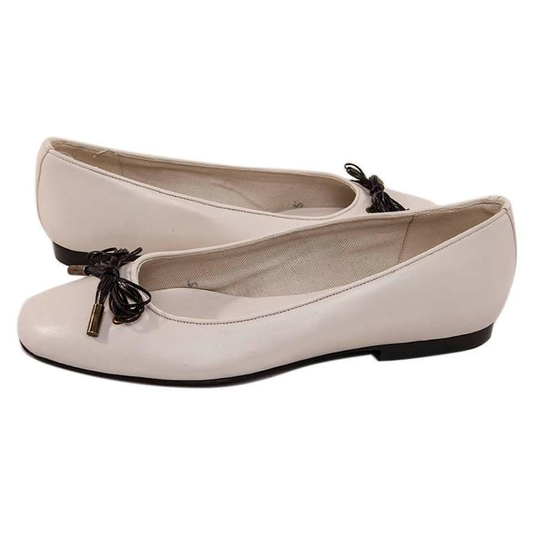 Chanel White Lamb Leather Ballet Flats Size 37 For Sale 1