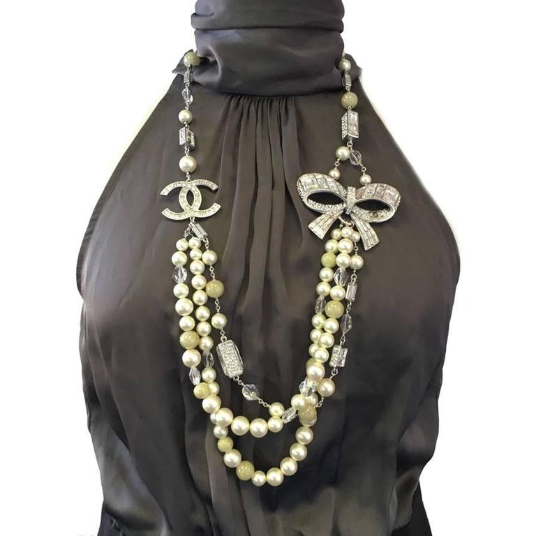 Women's Imposing and Sublime CHANEL Necklace For Sale