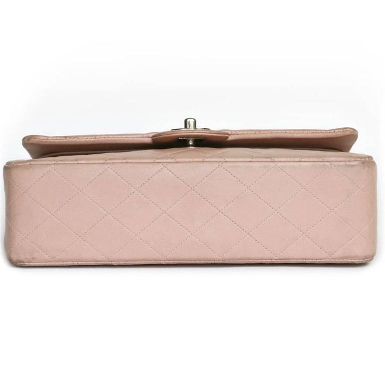 Women's CHANEL Timeless Flap Shoulder Bag in Pink Leather  For Sale