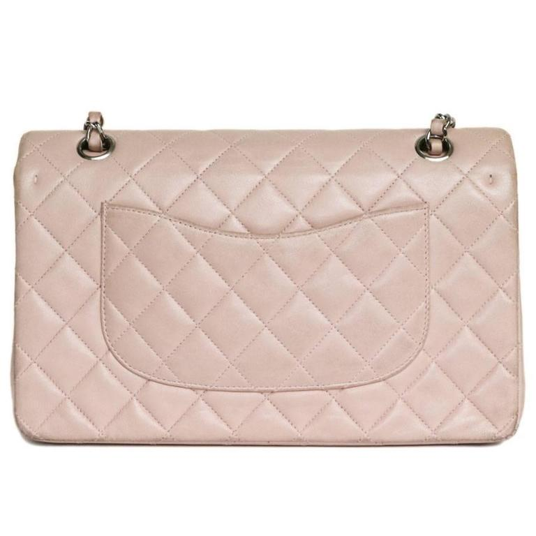 CHANEL Timeless Flap Shoulder Bag in Pink Leather  In Good Condition For Sale In Paris, FR