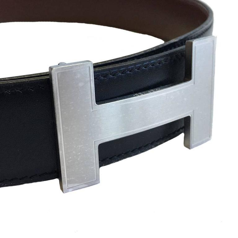 HERMES Reversible Belt H in Black and Brown Leather Size 72FR  For Sale 2