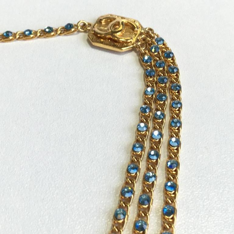 CHANEL Belt in Gilt Metal and Blue Rhinestones 3