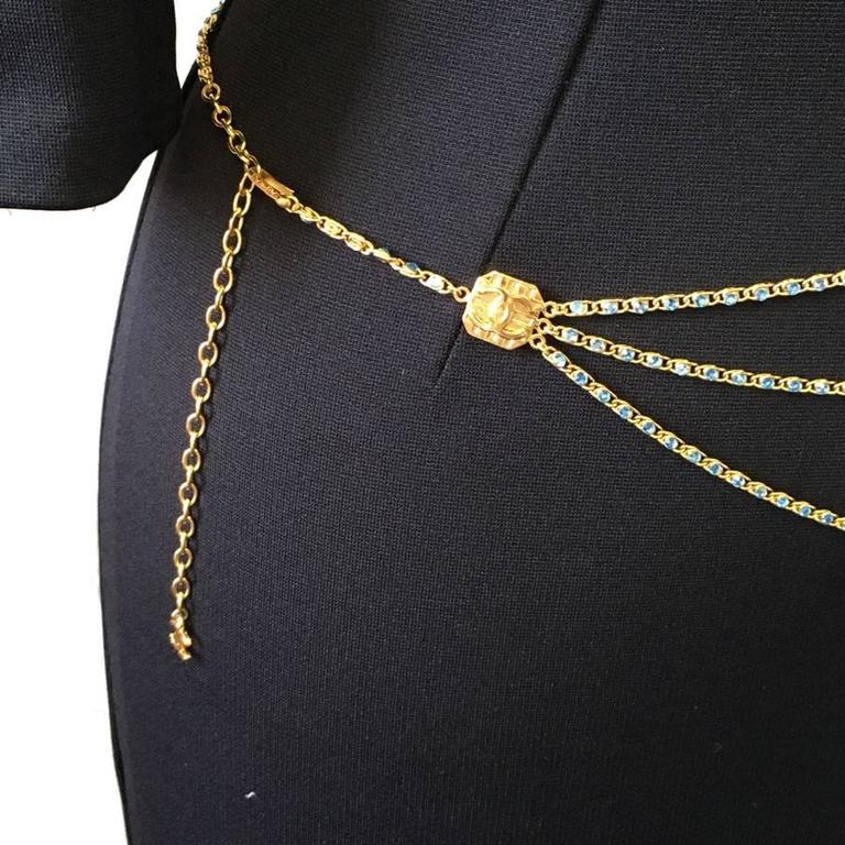 CHANEL Belt in Gilt Metal and Blue Rhinestones 9