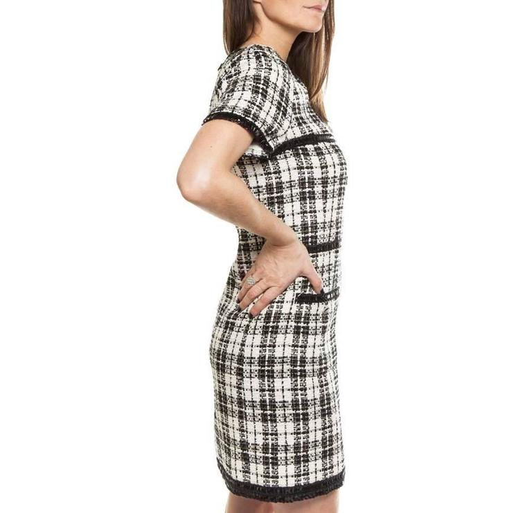Gray Iconic Chanel Dress Size 38FR in Bicolor Tweed For Sale