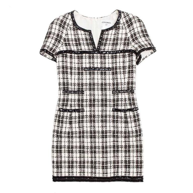 Iconic Chanel Dress Size 38FR in Bicolor Tweed 1