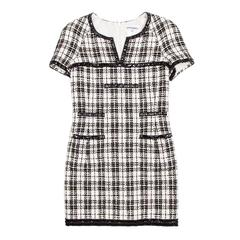 Iconic Chanel Dress Size 38FR in Bicolor Tweed