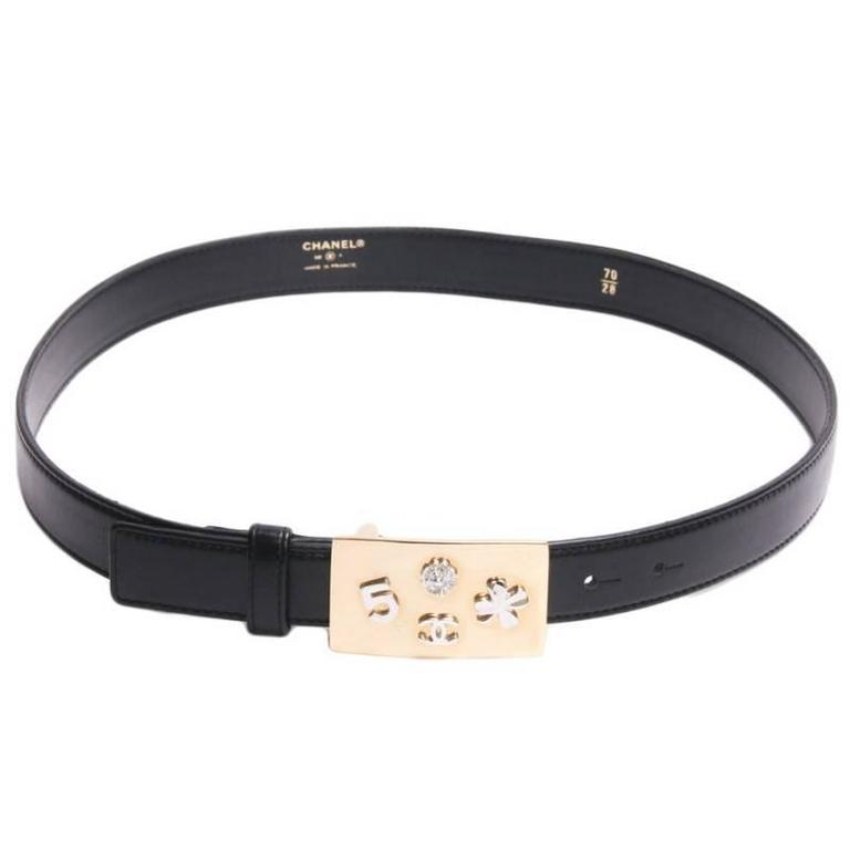 CHANEL Belt t 70 in Black Leather and Gilt Metal Buckle with Symbols For Sale