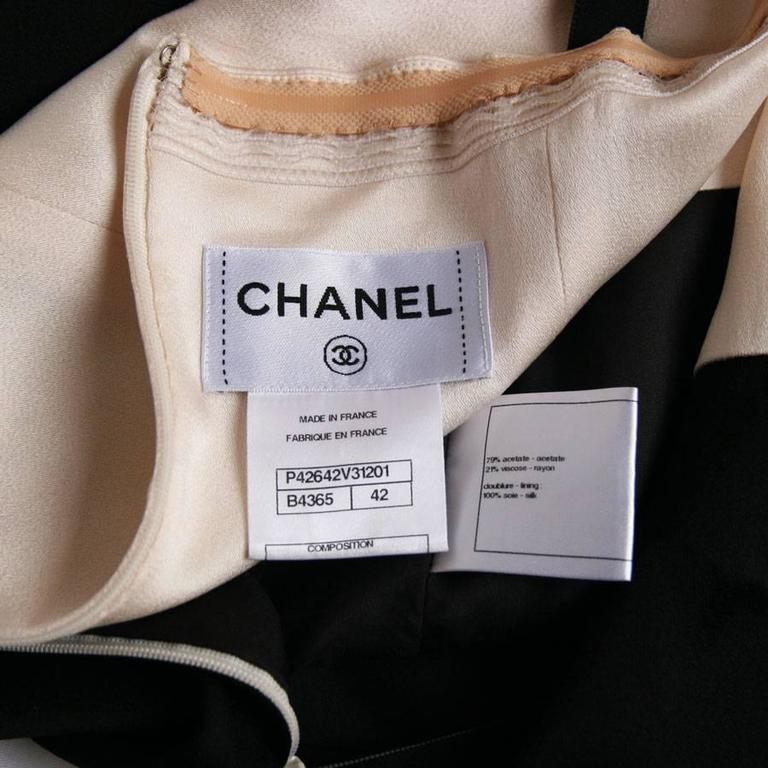 CHANEL Cocktail Dress Size 42FR in Bicolor White and Black Satin  5