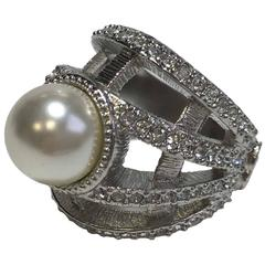 CHANEL 'Jewelry' Ring T54 in Silver Plated Metal, Glass Pearl and Rhinestones
