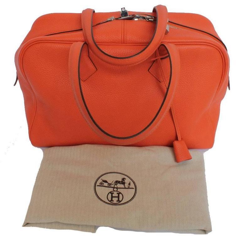 HERMES Victoria Orange Fire Clemence Leather Shoulder Bag For Sale 2