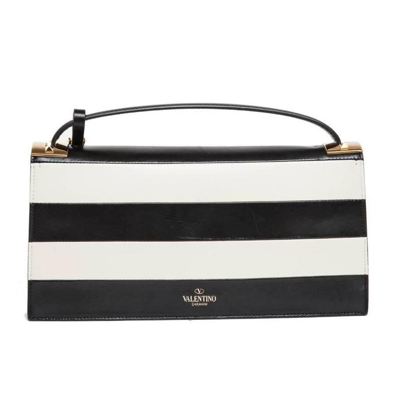 VALENTINO Model 'My Rockstud' Bag in Black and Beige Bicolour Leather In Excellent Condition For Sale In Paris, FR