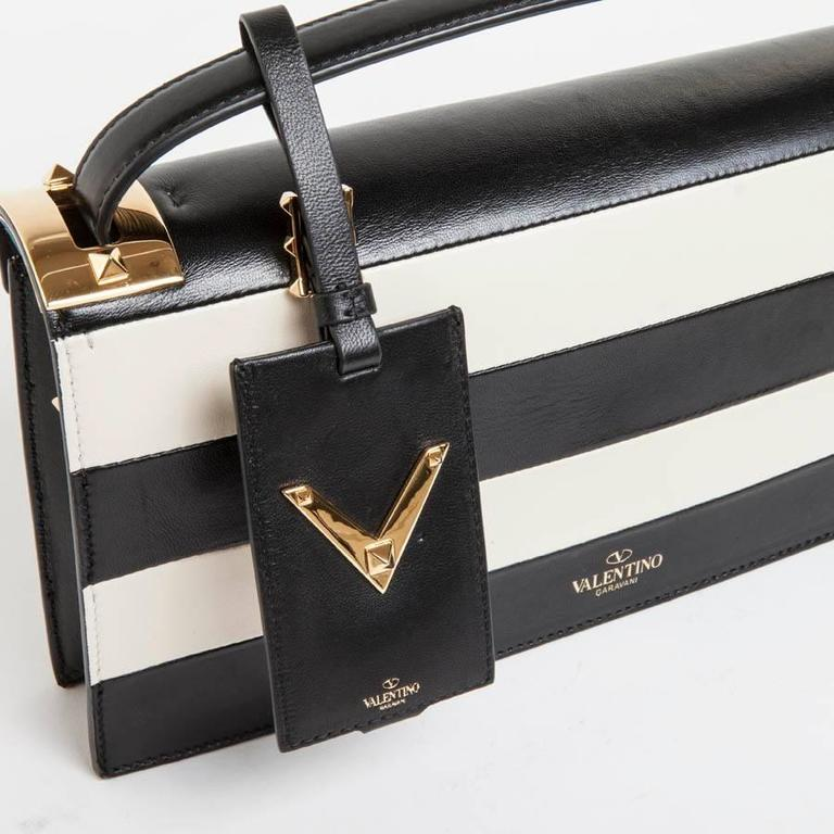 VALENTINO Model 'My Rockstud' Bag in Black and Beige Bicolour Leather For Sale 3