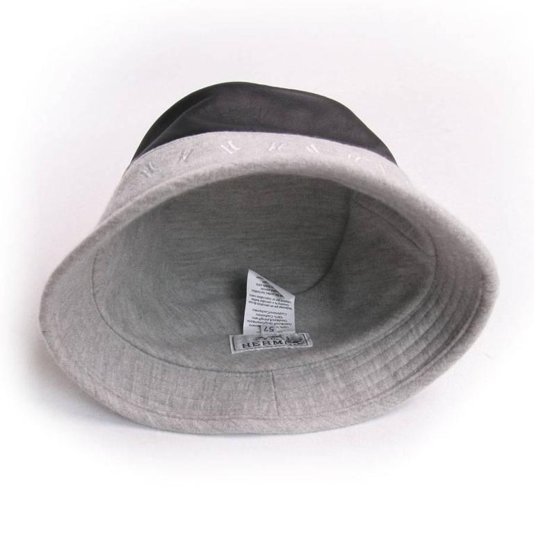 Women's HERMES Size 57 Black Calf Leather and Grey Cashmere Bucket Hat For Sale