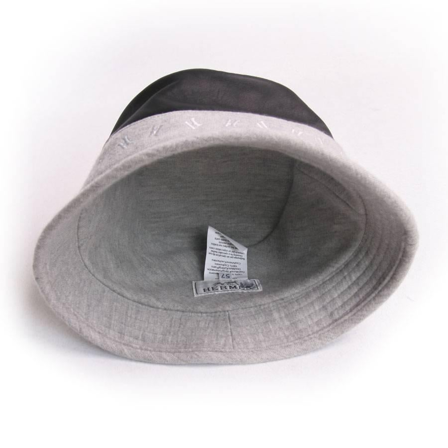 1f28ee667bbc1 HERMES Size 57 Black Calf Leather and Grey Cashmere Bucket Hat For Sale at  1stdibs