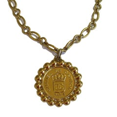 Vintage CHANEL Medaillon Necklace in Gilded Metal