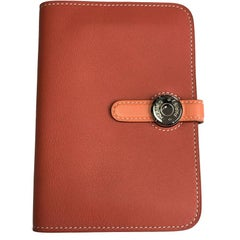 HERMES 'Dogon' Two Tone Sanguine and Shrimp Swift Calfskin Wallet