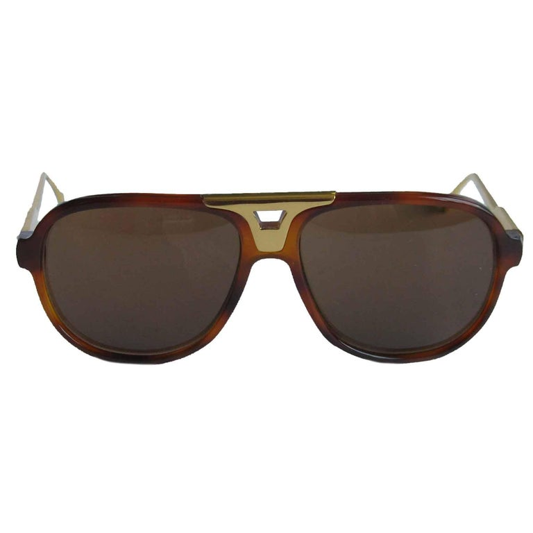 JOHN DALIA Tortoiseshell Sunglasses Model 'Gary'  In Excellent Condition For Sale In Paris, FR