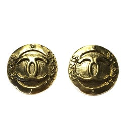 CHANEL Clip-on Earrings in Gilded Metal