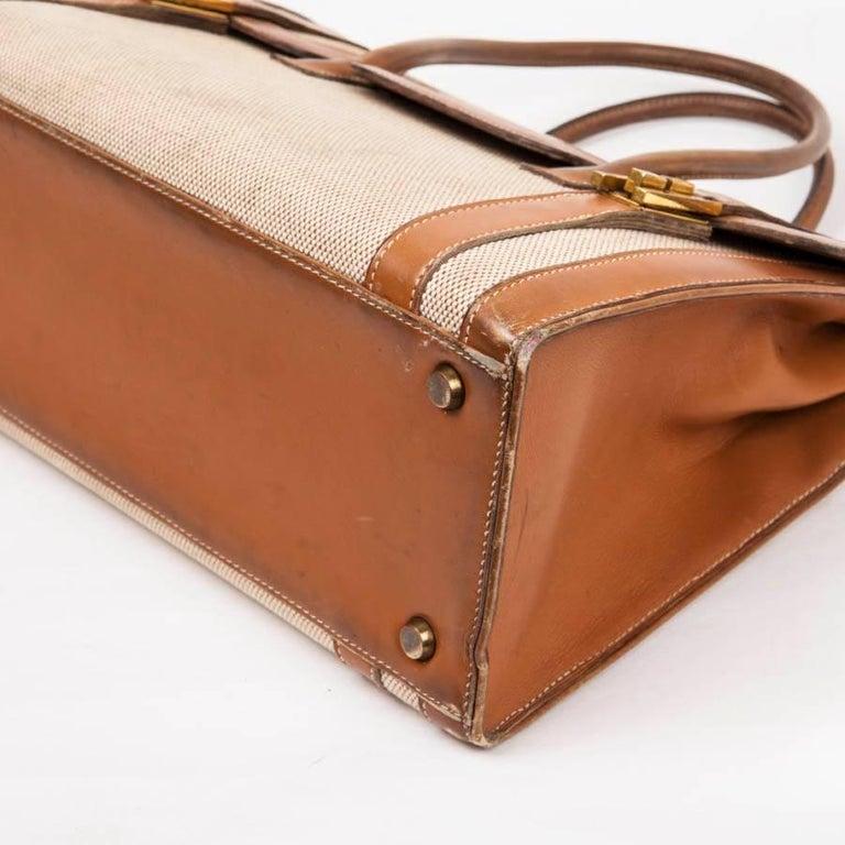 Vintage HERMES Flap Bag 'Drag' in Beige Canvas and Gold Leather For Sale 2
