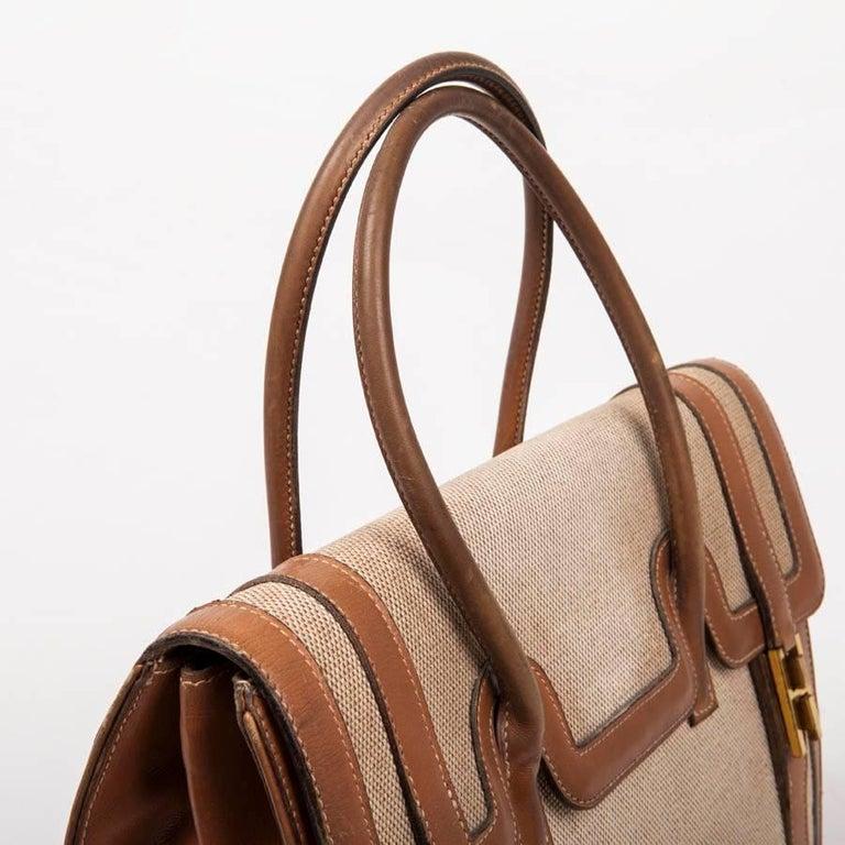 Vintage HERMES Flap Bag 'Drag' in Beige Canvas and Gold Leather For Sale 3