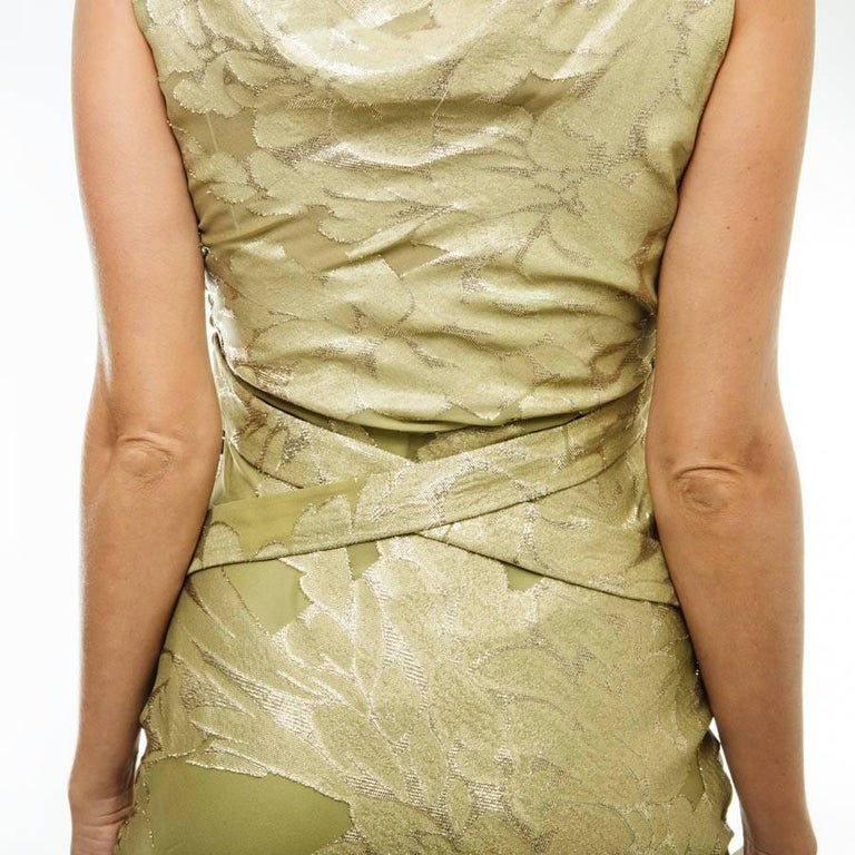 CHRISTIAN DIOR Dress in Green Silk Embroidered with Gold Threads Size 36EU For Sale 2