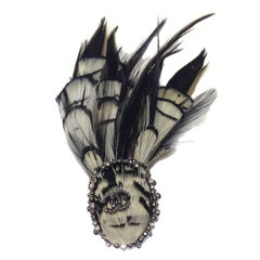CHANEL Feather Brooch in Silver Plated Metal, CC and Rhinestones