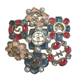 CHANEL Brooch in Multicolored Resin, Rhinestones and Pearls