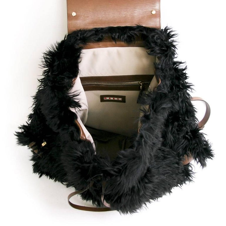 MARNI Backpack in Black fur and Natural Leather For Sale 2