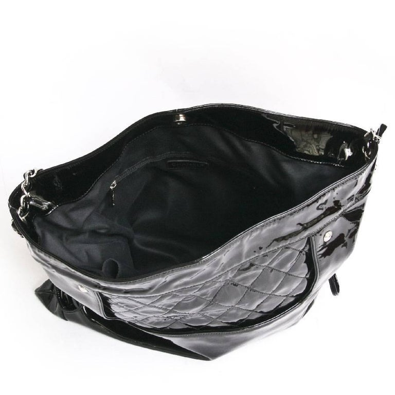 219e568b3629 CHANEL Messenger Bag in Black Patent Leather Big size For Sale at ...
