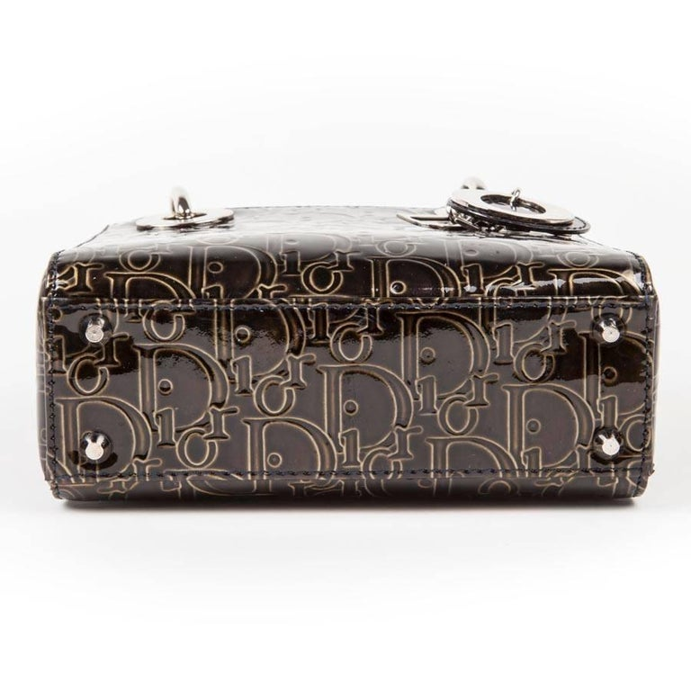 LADY DIOR Mini Handbag in Brown Patent Leather with DIOR Letters Printed In Excellent Condition For Sale In Paris, FR