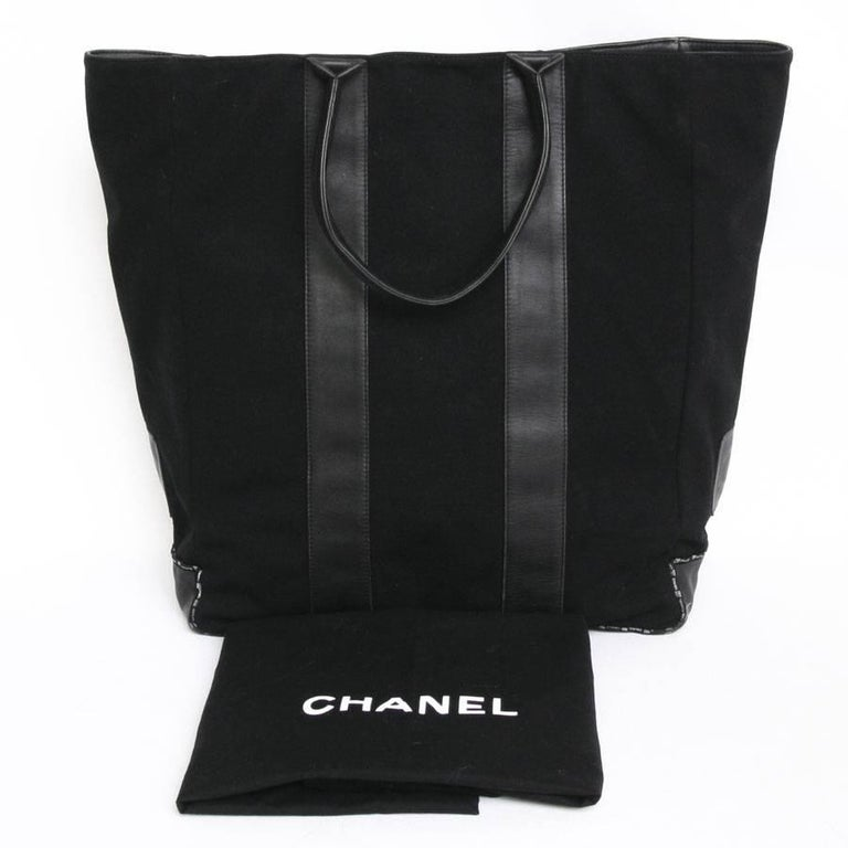 CHANEL Tote Bag in Black Jersey and Leather For Sale 3