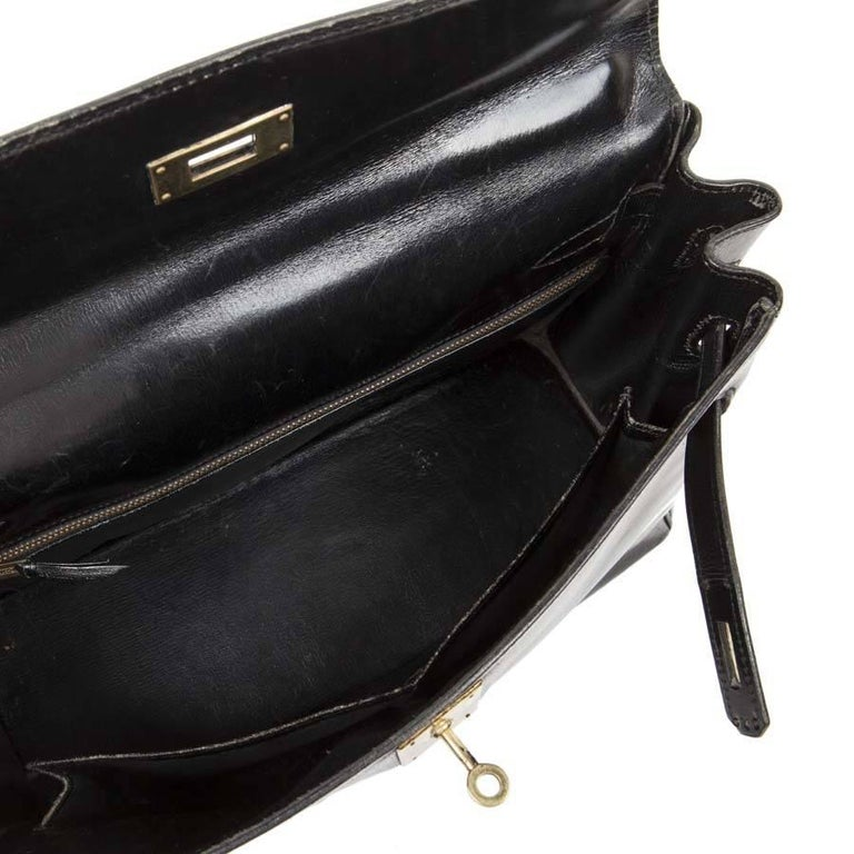 HERMES Vintage Kelly 32 Bag in Black Box Leather with its Strap For Sale 3