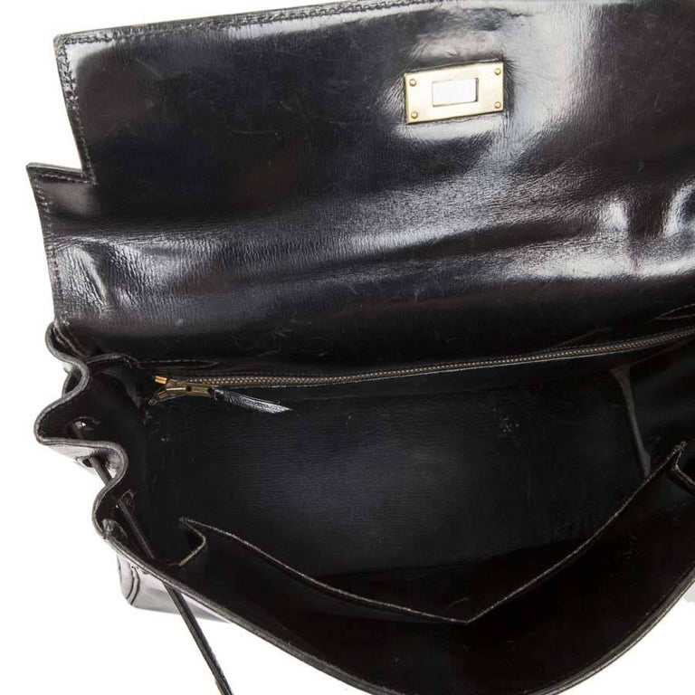 HERMES Vintage Kelly 32 Bag in Black Box Leather with its Strap For Sale 4