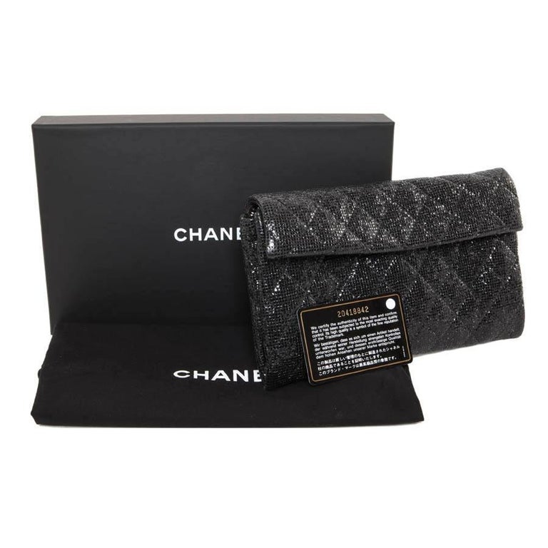 CHANEL Evening Bag in Black Quilted Laminated Leather For Sale 6