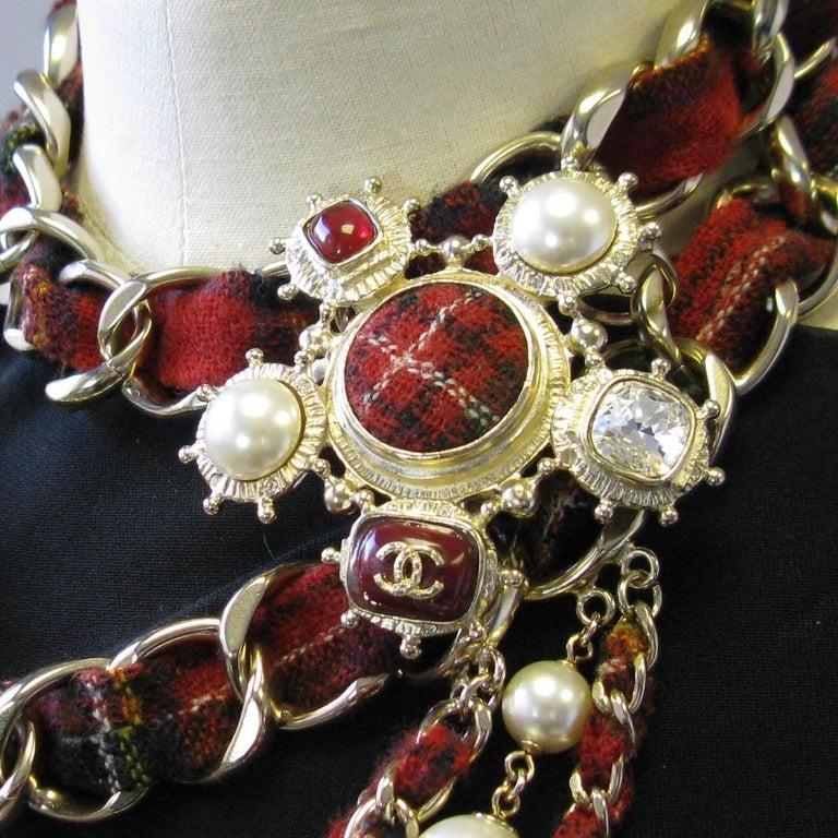CHANEL Necklace from 'Paris-Edinburgh' Métiers d'Art Collection For Sale 1