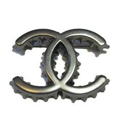 Chanel CC Bottle Cap Brooch in Ruthenium Metal