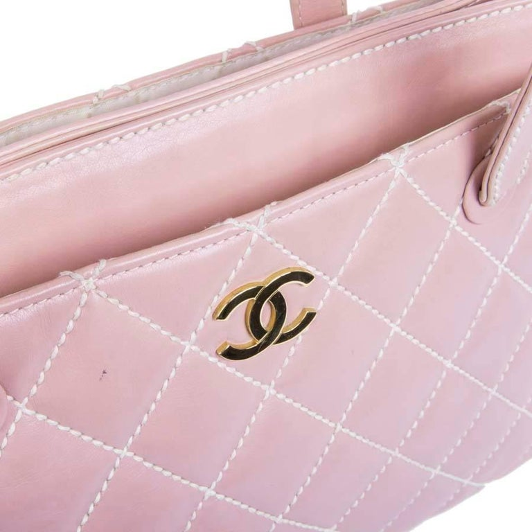 11b3fc869eb63e Women's or Men's CHANEL Bag in Pink Quilted Smooth Leather with a White  Stitching For Sale