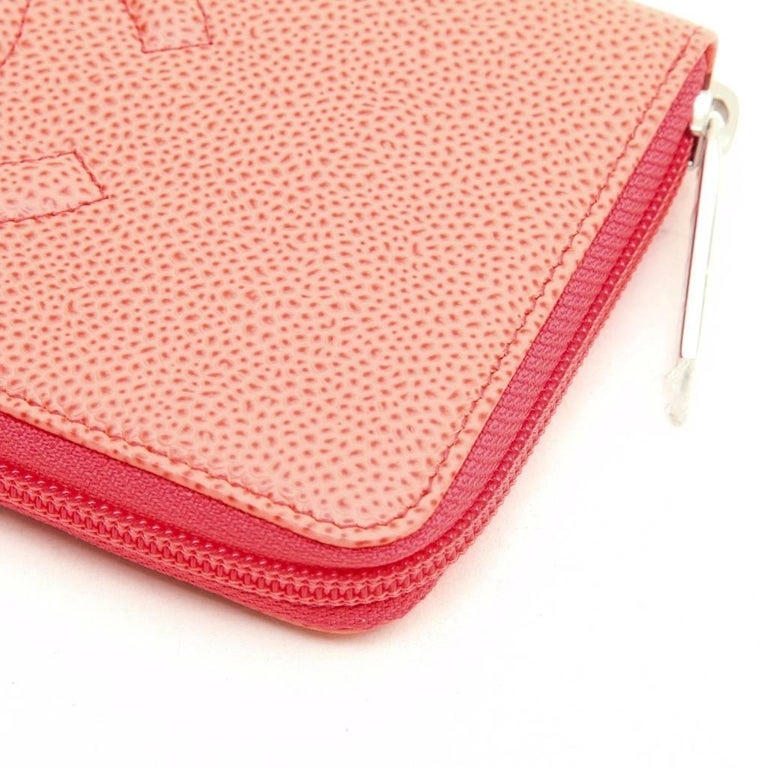 CHANEL Wallet in Grained Salmon Leather For Sale 1