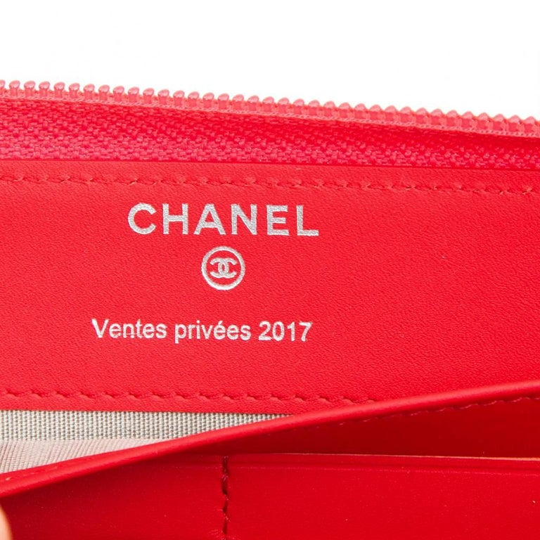 CHANEL Wallet in Grained Salmon Leather For Sale 2