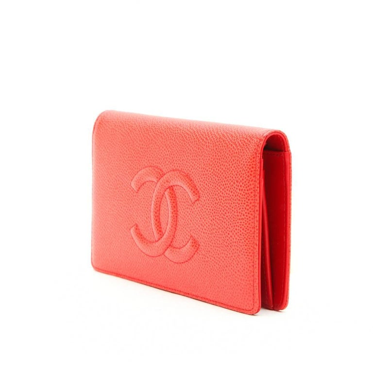 f741a89d68db Red CHANEL Card Holder in Coral Grained leather For Sale