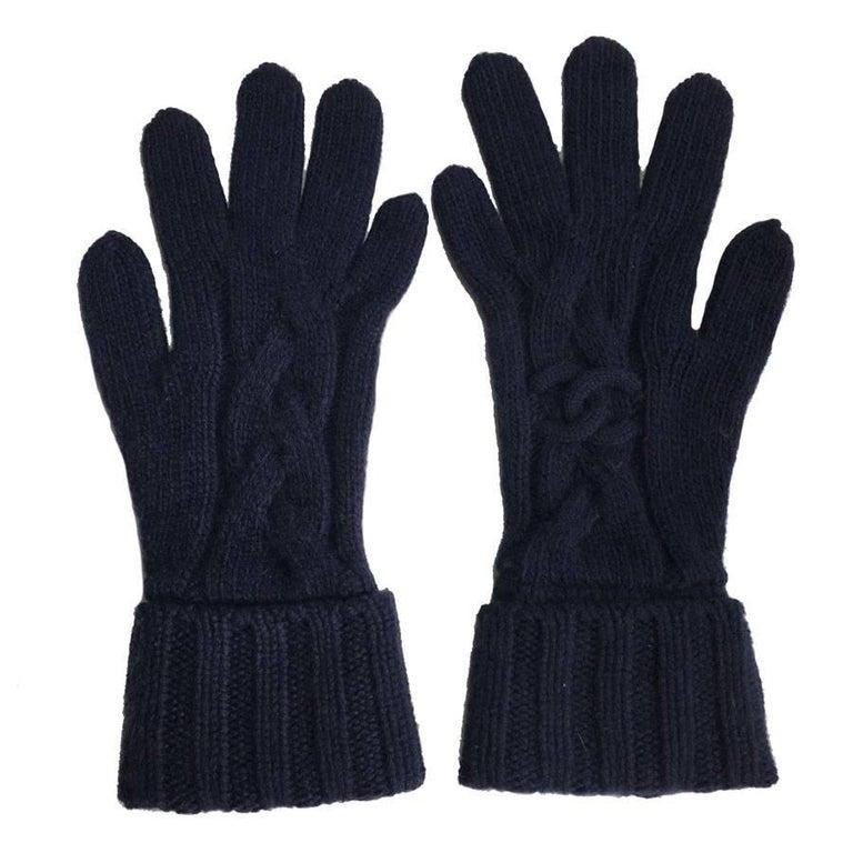 CHANEL Gloves in Dark Blue Cashmere Size 7.5