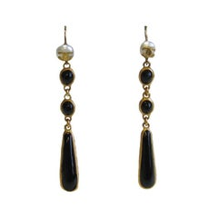 CHANEL Pendant Stud Earrings In Black Molten Glass, Small Pearl and Gilded Metal