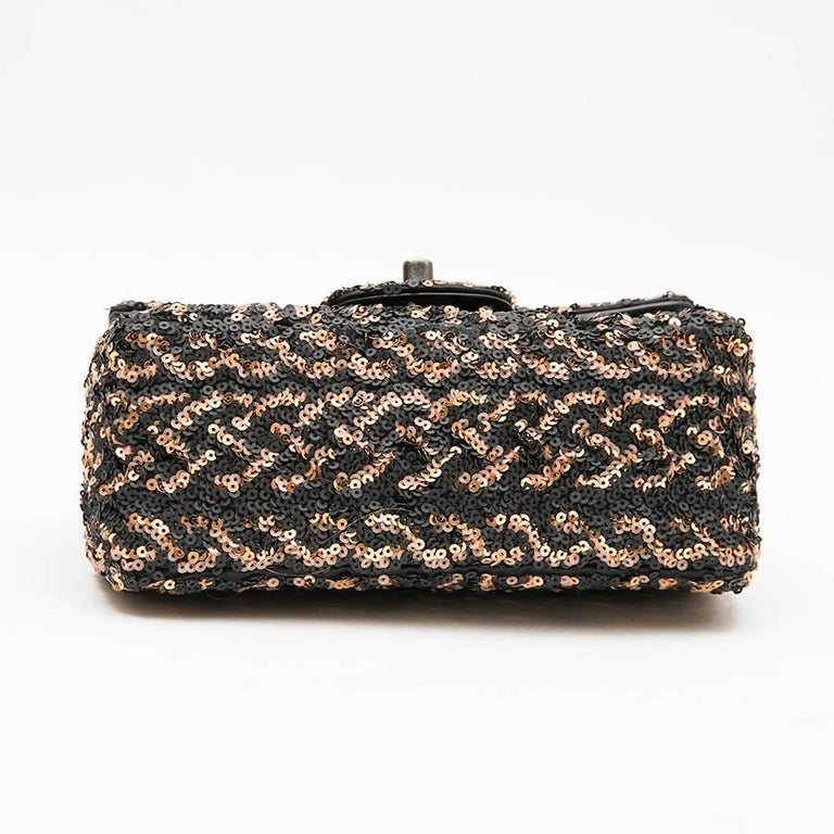 CHANEL Mini Evening Flap Bag in Black Leather Embroidered with Sequins In Excellent Condition For Sale In Paris, FR