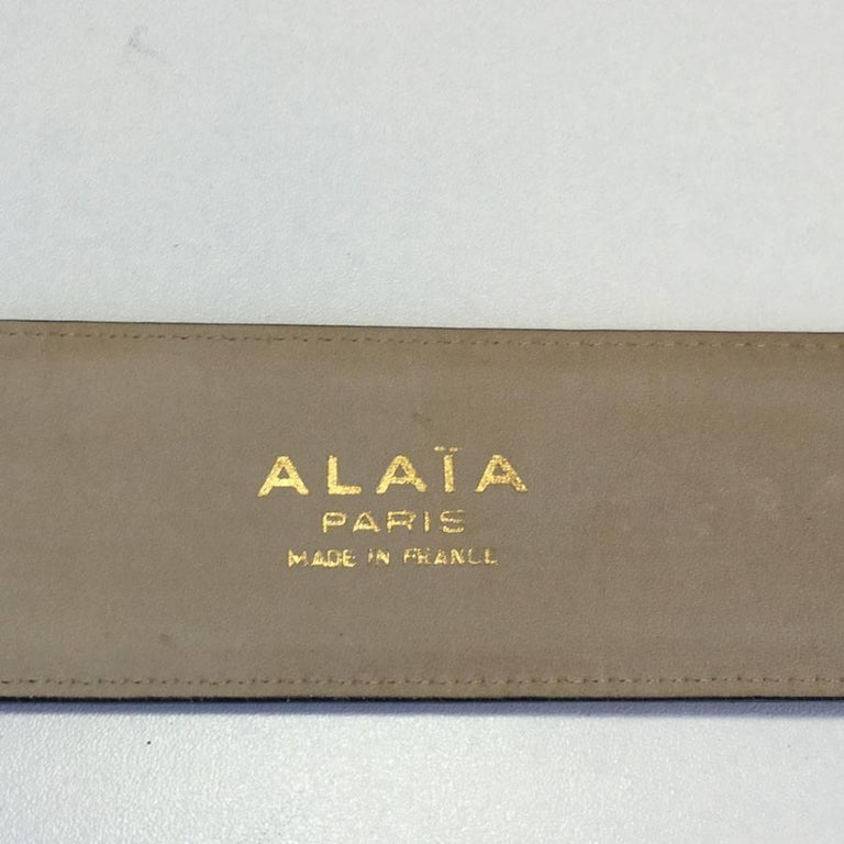 Women's ALAÏA Belt in Dark Gray Leather and Beige Suede Size 75FR For Sale