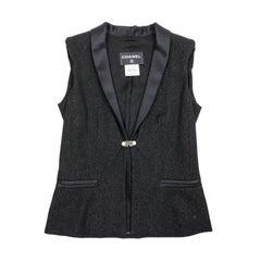 CHANEL Sleeveless Jacket in Black Wool Size 36FR