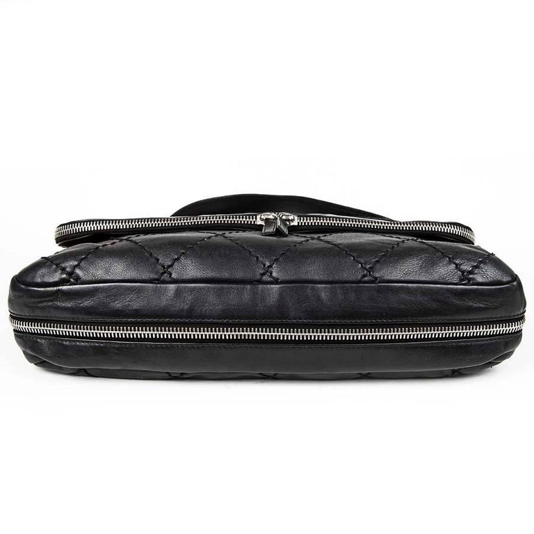 3ff314d5fc0952 CHANEL Black Quilted Soft Leather Messenger Flap Bag In Excellent Condition  For Sale In Paris,
